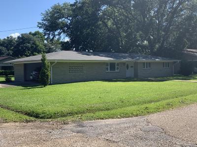 Ville Platte Single Family Home For Sale: 401 Demoncherveaux Boulevard
