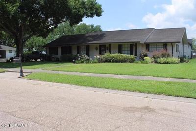 Lafayette Single Family Home Active/Contingent: 301 Elmwood Drive