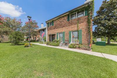 Lafayette Single Family Home For Sale: 204 Dublin Circle #A