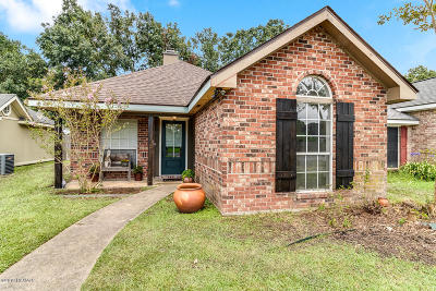 Lafayette  Single Family Home For Sale: 136 Edie Ann Drive