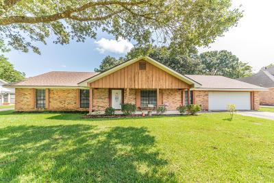 Lafayette  Single Family Home For Sale: 303 Kensington Drive