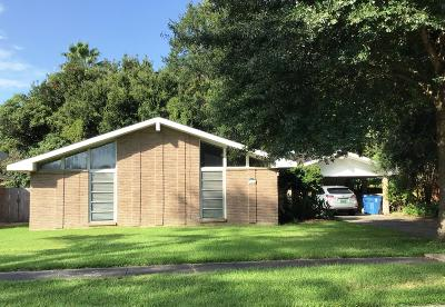 Lafayette Single Family Home For Sale: 208 Maplewood Drive