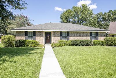 Lafayette  Single Family Home For Sale: 101 Bankston Circle
