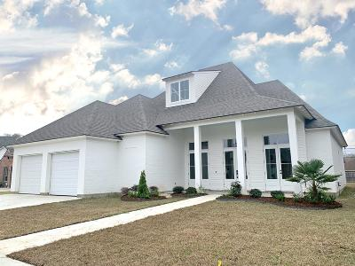 Lafayette  Single Family Home For Sale: 301 Glasgow Drive