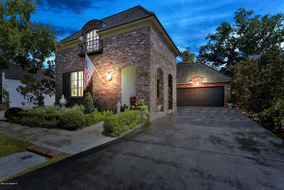 Lafayette  Single Family Home For Sale: 230 Annunciation Street