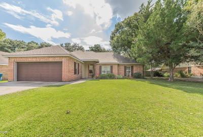 Lafayette  Single Family Home For Sale: 204 Sandy Brook Lane