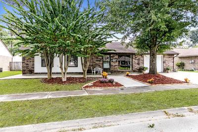 Lafayette  Single Family Home For Sale: 117 Castle Row