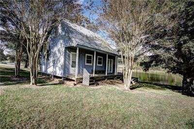 Natchez Single Family Home For Sale: 382 Riverview