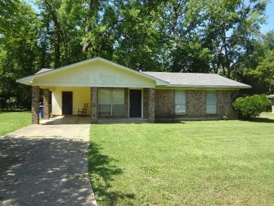 Natchitoches LA Single Family Home For Sale: $105,000