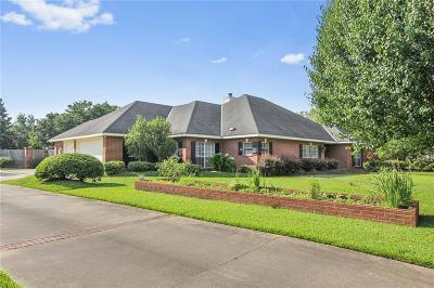 Alexandria Single Family Home For Sale: 6304 Tennyson Oaks Lane