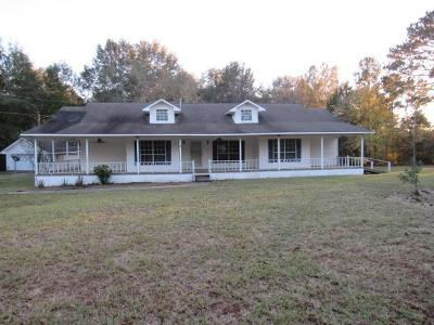 Many Single Family Home For Sale: 1650 Oak Hill Rd