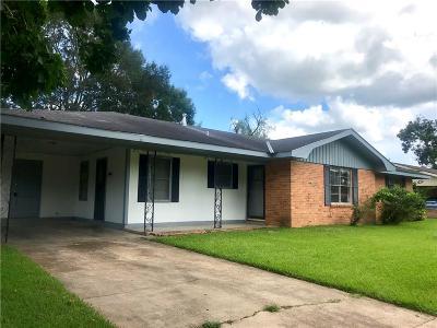 Alexandria Single Family Home For Sale: 5627 E Circle Drive