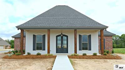 Single Family Home For Sale: 301 Cotton Trace