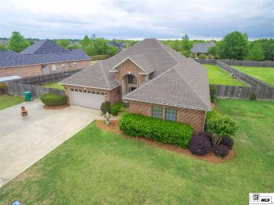 Monroe Single Family Home For Sale: 114 Medalist Street