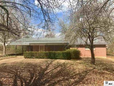 Lincoln Parish Single Family Home Active-Pending: 172 W Boulevard Street