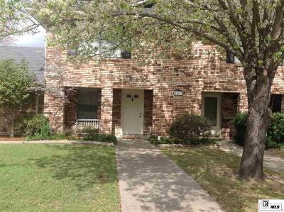 Condo/Townhouse For Sale: 1802 Woodhaven Drive