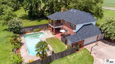 Single Family Home For Sale: 612 Highway 134