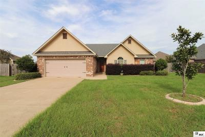 Single Family Home For Sale: 216 Barker Drive