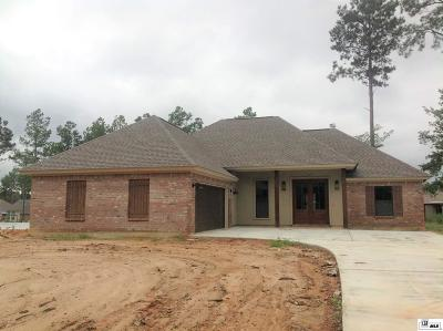 Single Family Home For Sale: 124 Buck Meadow