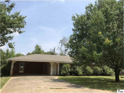 Jackson Parish Single Family Home Active-Pending: 204 Cobb Drive