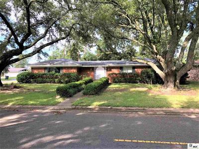Monroe Single Family Home New Listing: 807 E Rimes Circle