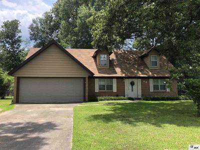 Monroe Single Family Home For Sale: 40 Oakwood Drive