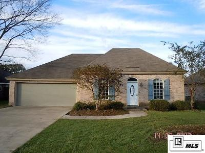 Monroe Single Family Home For Sale: 102 Vail Circle
