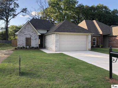 Monroe Single Family Home For Sale: 207 Briar Trace