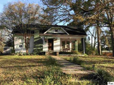 Single Family Home For Sale: 401 Plum Street