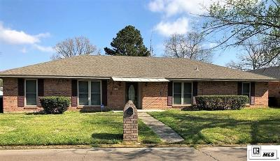 Monroe Single Family Home For Sale: 19 Magnolia Drive
