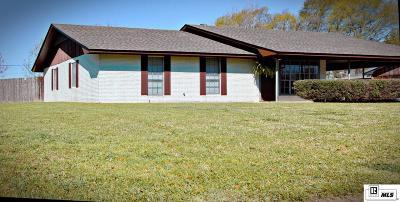 Monroe Single Family Home For Sale: 31 Melanie Drive