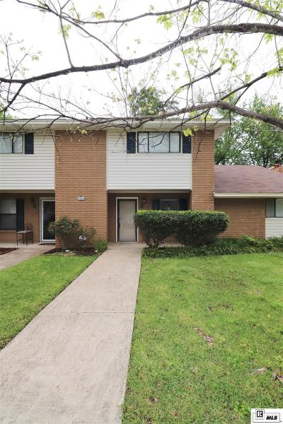 Condo/Townhouse For Sale: 1804 Woodhaven Drive #B