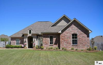 Single Family Home For Sale: 1703 Rampart Drive