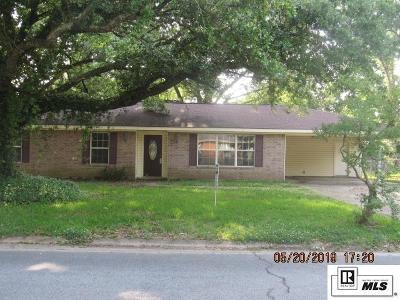 Monroe Single Family Home New Listing: 907 E Rimes Circle
