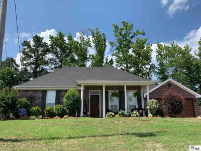 Single Family Home For Sale: 134 Greenfield Circle