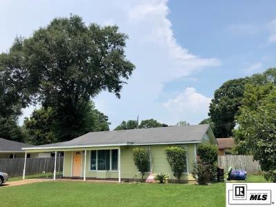 Monroe Single Family Home For Sale: 105 Oaklawn Drive