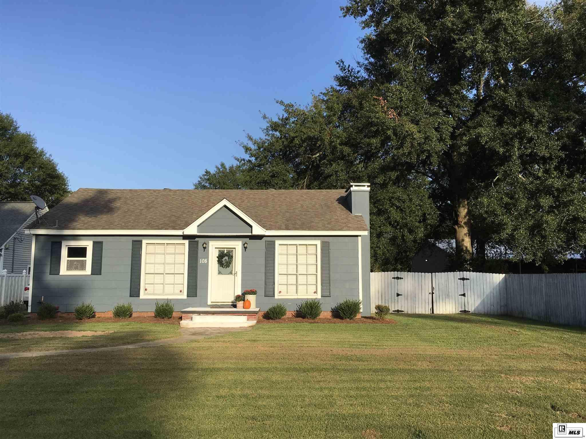 108 PECAN GROVE STREET, 133 ULM Town & Country Lake Shor