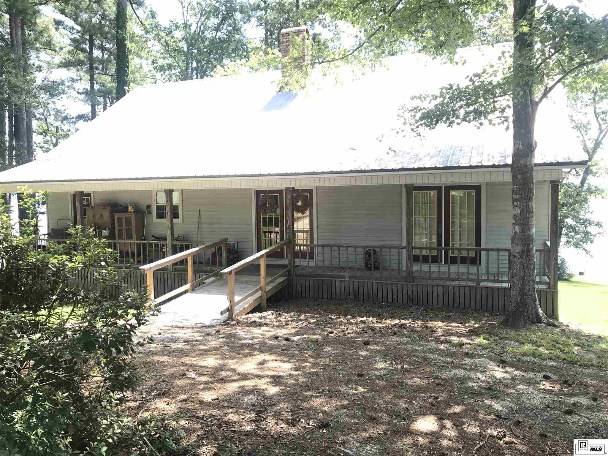 140 OLIVER POINT DRIVE, 401 Caney Lake Area