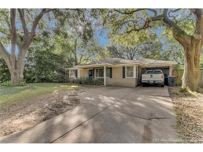 Broadmoor Terrace Single Family Home For Sale: 207 Stuart Avenue
