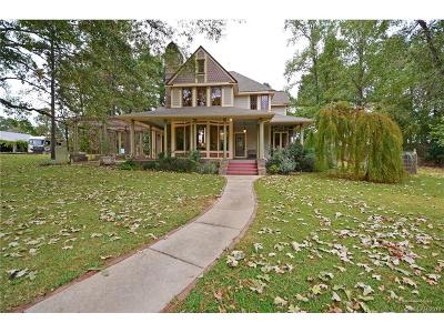 Benton Single Family Home For Sale: 2264 Woodstone Drive