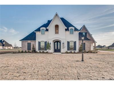 Benton Single Family Home For Sale: 719 Smokehouse Loop
