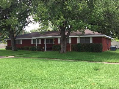 Broadmoor Terrace Single Family Home Contingent: 2003 Captain Shreve Drive