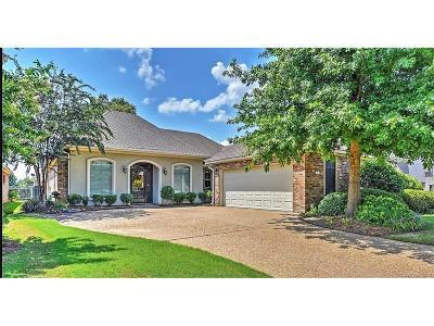 Haughton Single Family Home For Sale: 4 Fairway Circle