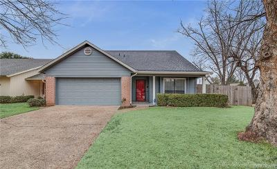 Town South Estates Single Family Home For Sale: 402 Stratmore Drive