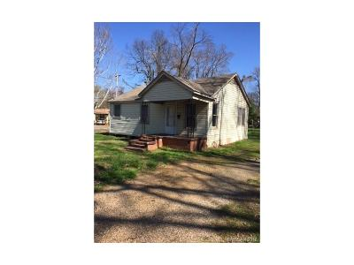 Bossier City LA Single Family Home For Sale: $51,900