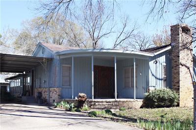 Oil City Single Family Home For Sale: 304 Cecelia Drive