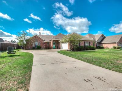 Haughton Single Family Home For Sale: 812 Applewood Trail