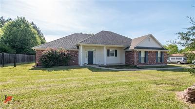 Benton Single Family Home For Sale: 113 Sherwood Drive