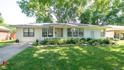 Broadmoor Terrace Single Family Home For Sale: 132 Norwood Street