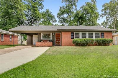 Broadmoor Terrace, Broadmoor Terrance Single Family Home For Sale: 132 Kayla Street